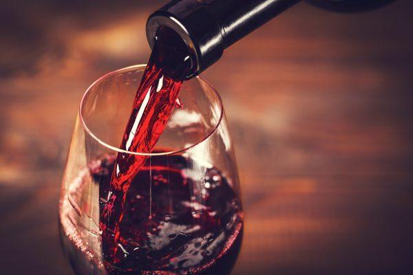 知って得する!フレンチに合うワインの選び方